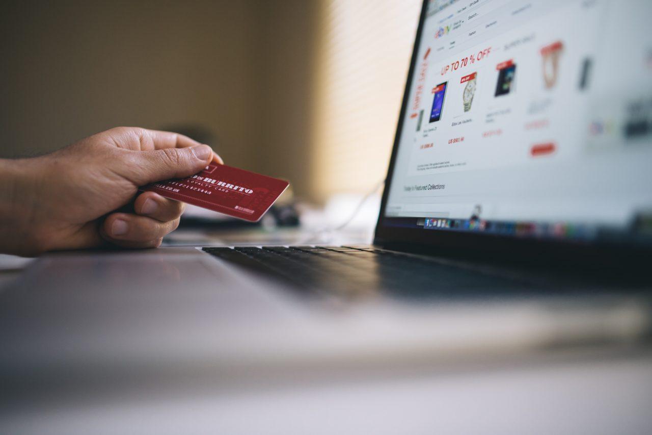 https://mynewcreditlife.com/wp-content/uploads/2019/11/black-friday-buy-credit-card-34577-min-1280x853.jpg